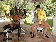 TUSHIRAU compra videosamateurlatinos el culo con solo tres.