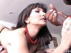Sarah xxx latino español Sloan le encanta el semen.