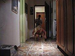 Extraños en ver videos porno en español latino el bosque