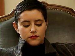 La chica videos xxx amateur latino está sola con Elaine Marley en un video casero.